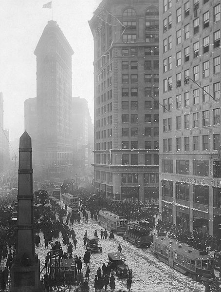 Flatiron and Worth Monument Manhattan Virtual Office 1918