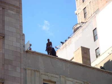 Antony Gormley Event Horizon Installation 204 Fifth Avenue (4)