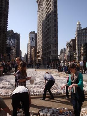 Starbucks Promo in the Flatiron Pedestrian Plaza (3)